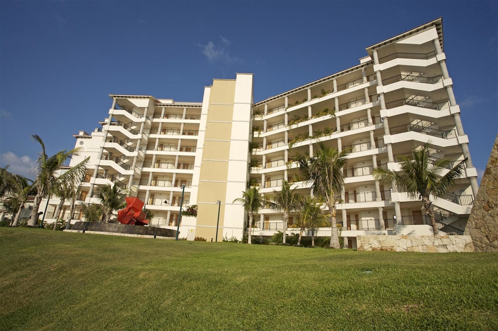 Front of Property, Grand Park Royal Cancun - All Inclusive