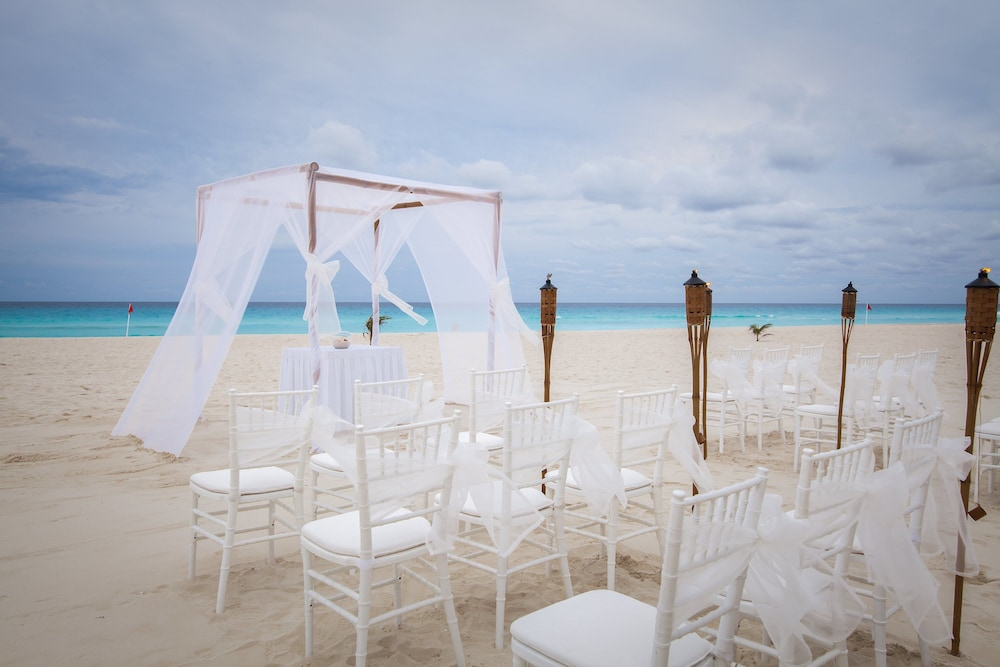 Outdoor Wedding Area, Grand Park Royal Cancun - All Inclusive
