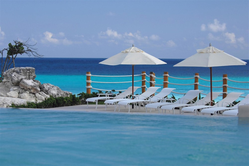 Infinity Pool, Grand Park Royal Cancun - All Inclusive