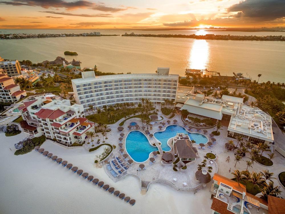 Grand Park Royal Luxury Resort Cancun All Inclusive In Cancun