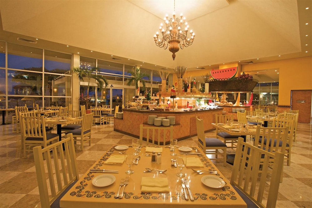 Restaurant, Grand Park Royal Cancun - All Inclusive