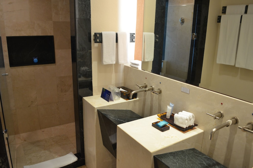 Bathroom, Grand Park Royal Cancun - All Inclusive