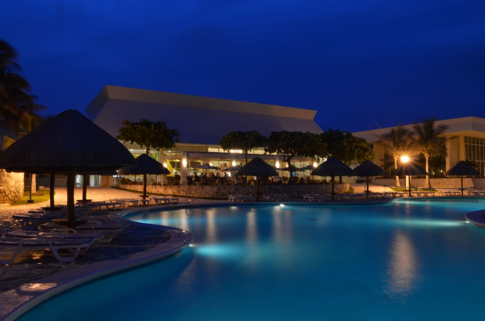 Outdoor Pool, Grand Park Royal Cancun - All Inclusive