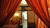 Grand Hotel Dechampaigne - Paris Hotels
