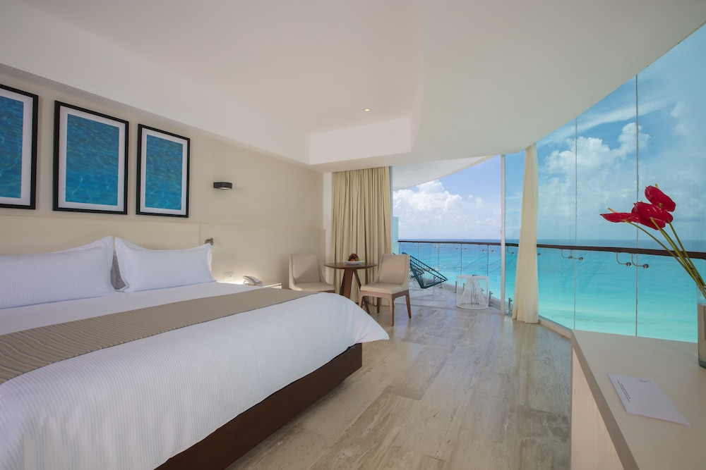 Cancun Oceanfront Hotel Rooms