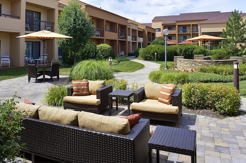 Courtyard by Marriott Chicago Oakbrook Terrace