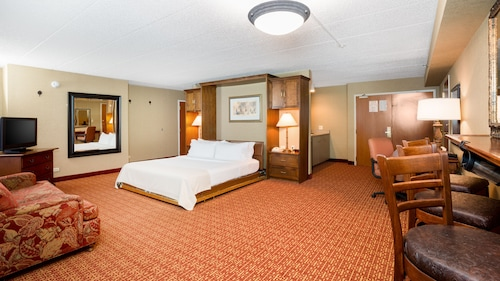 Great Place to stay Holiday Inn Chicago Nw Crystal Lk Conv Ctr near Crystal Lake