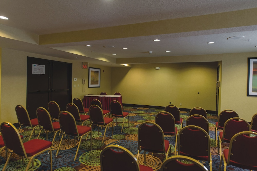 Meeting Facility, Holiday Inn Express Portland East - Troutdale, an IHG Hotel