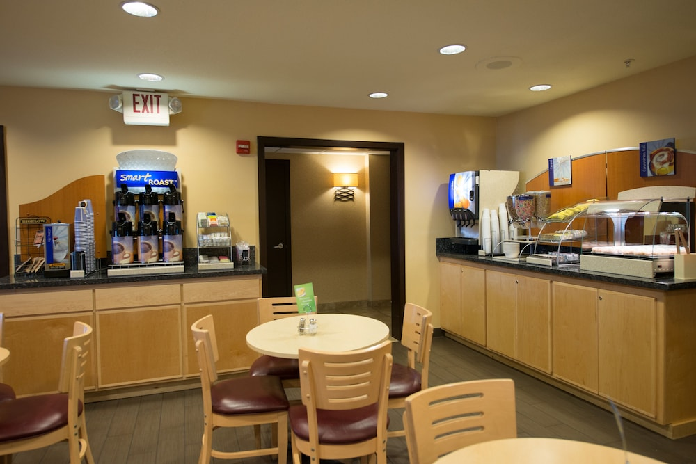 Breakfast Meal, Holiday Inn Express Portland East - Troutdale, an IHG Hotel
