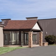 Howard Johnson Hotel & Suites by Wyndham Miramichi
