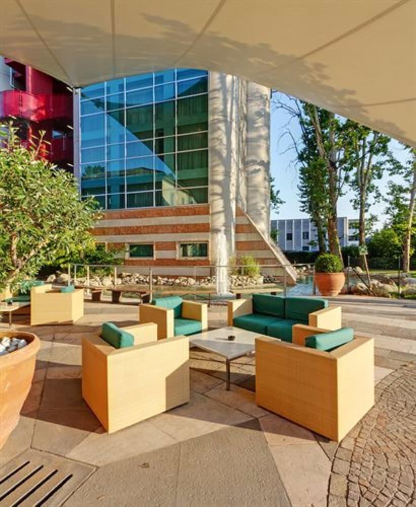 Cdh Hotel Villa Ducale Expedia