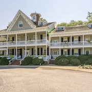 Historic Kent Manor Inn