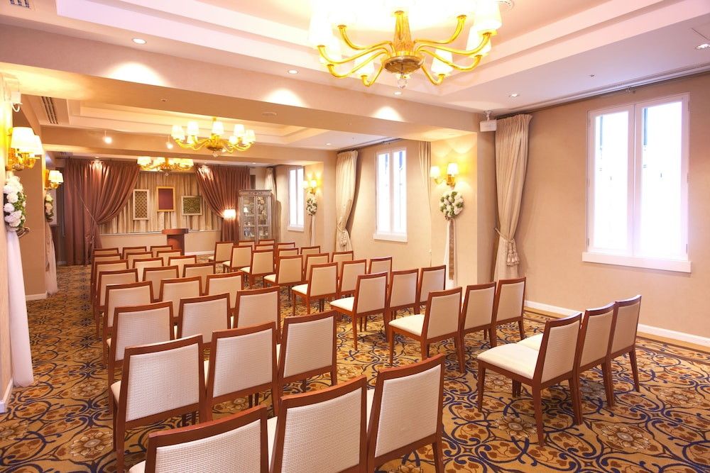 Meeting Facility, Hotel Nikko Alivila
