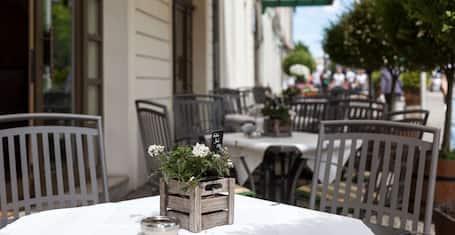 Best Western Premier Grand Hotel Russischer Hof Weimar 2021 Updated Prices Expedia Co Uk