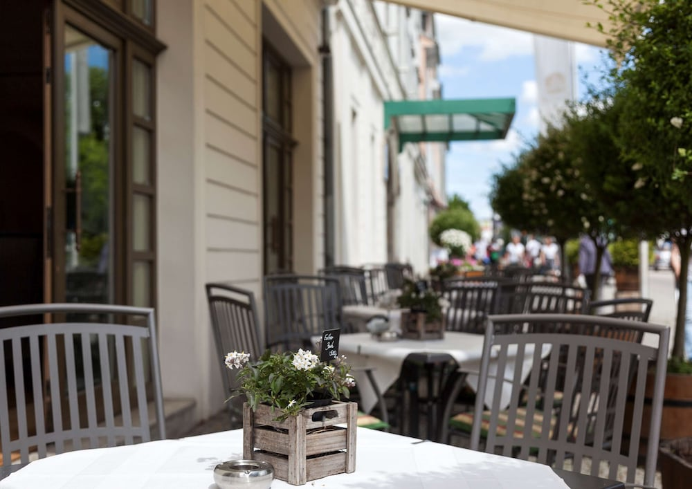 Best Western Premier Grand Hotel Russischer Hof In Weimar Hotel Rates Reviews On Orbitz