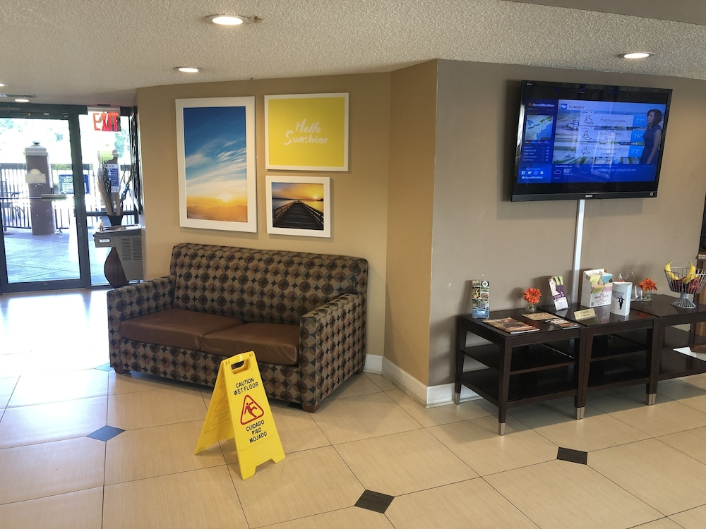 Breakfast Area, Days Inn by Wyndham Columbus