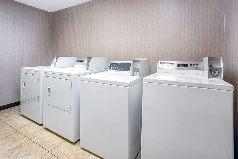 Laundry Room, La Quinta Inn & Suites by Wyndham Coeur d`Alene
