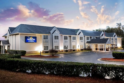 Microtel Inns & Suites by Wyndham Southern Pines / Pinehurst
