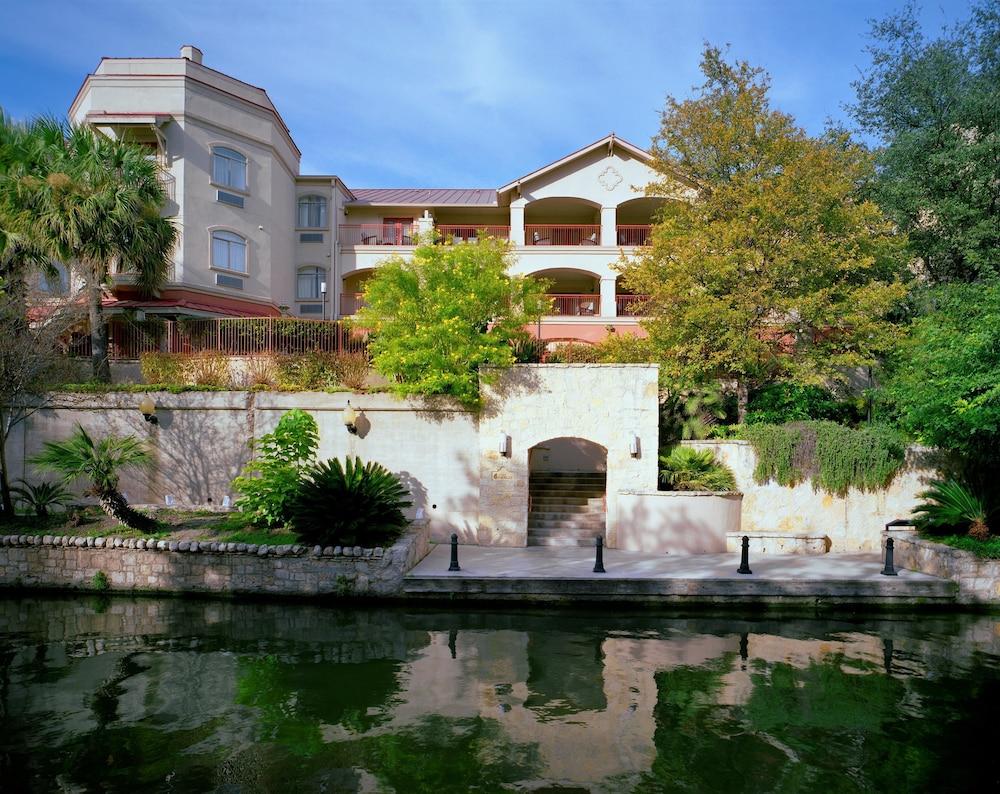 Book Hotel Indigo San Antonio Riverwalk