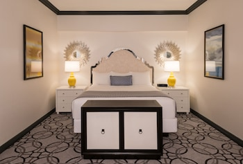 Remodeled Classic Suite, 1 King Bed - Guestroom