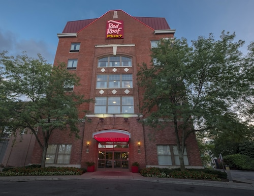 Great Place to stay Red Roof Inn PLUS+ Columbus Downtown - Convention Center near Columbus