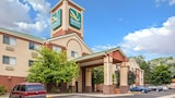 Quality Inn & Suites - Lakewood Hotels