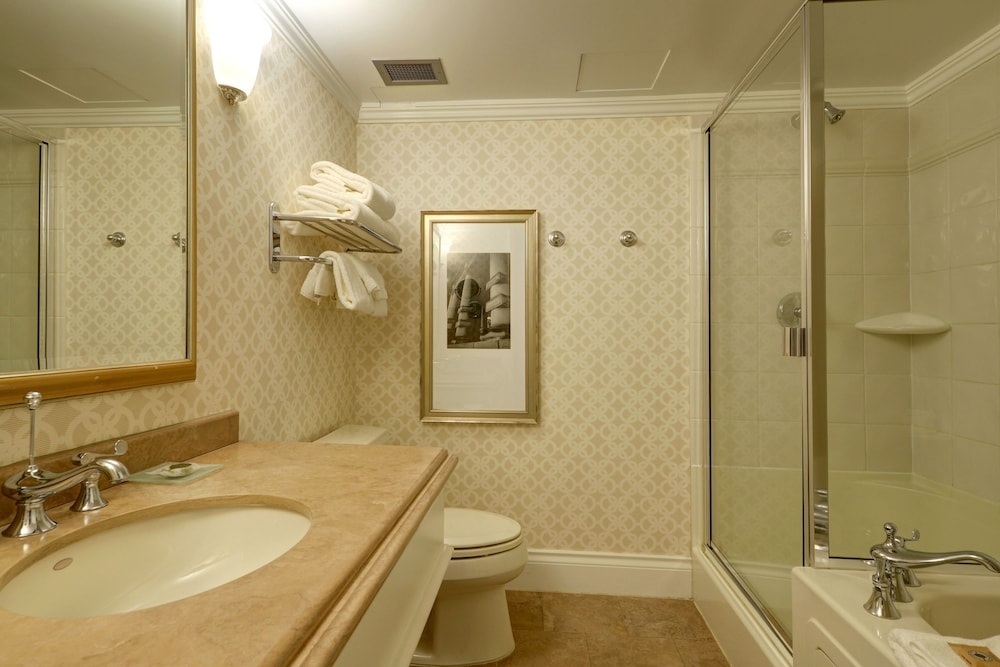 Bathroom, The Magnolia Hotel and Spa