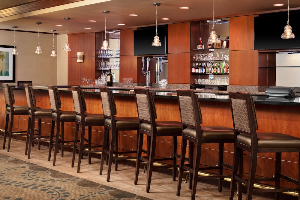 Bar, DoubleTree by Hilton Las Vegas Airport
