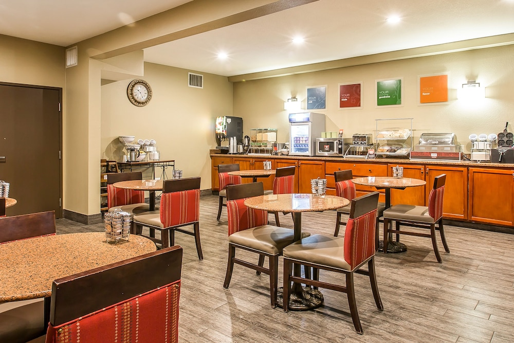 Breakfast Area, Comfort Suites Columbia River