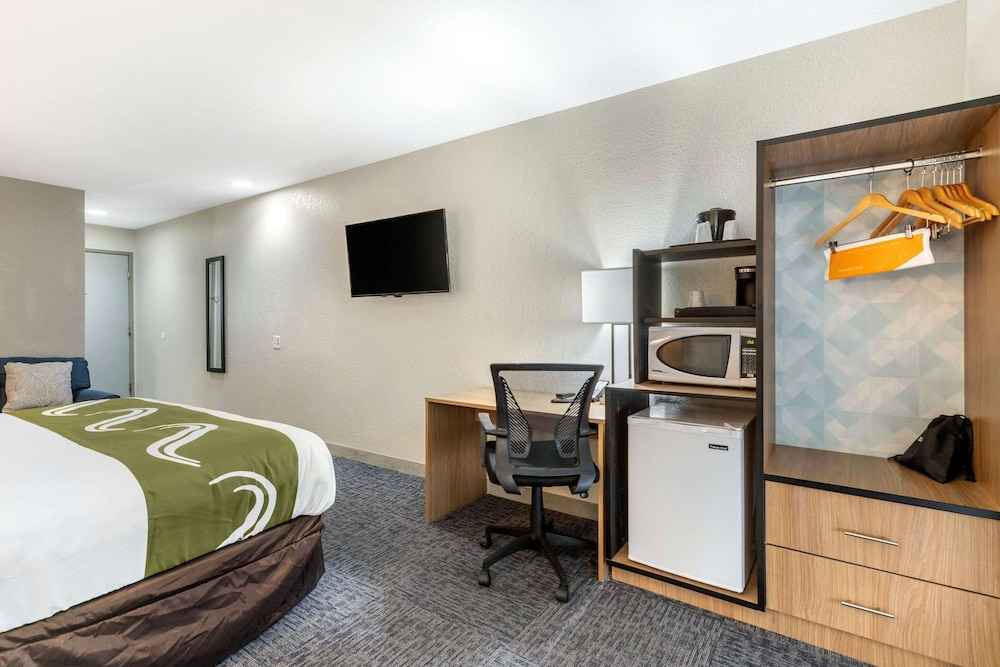 Room, Quality Inn Downtown - near Market Square