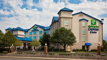 Holiday Inn Express Hotel & Suites Chicago-Midway Airport, an IHG Hotel