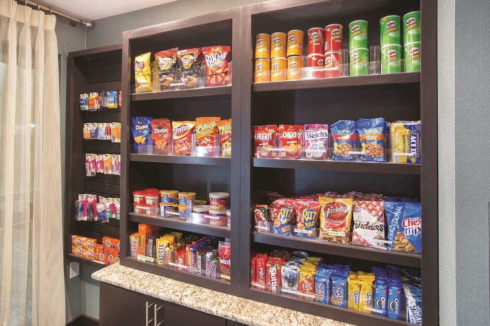 Snack Bar, La Quinta Inn & Suites by Wyndham O'Fallon, IL - St. Louis