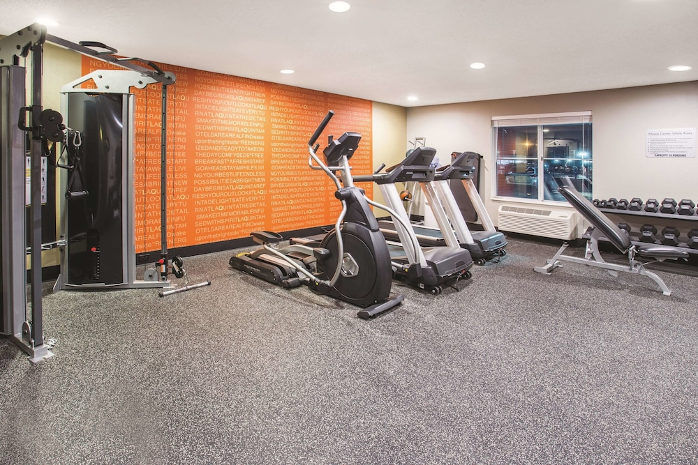 Fitness Facility, La Quinta Inn & Suites by Wyndham O'Fallon, IL - St. Louis