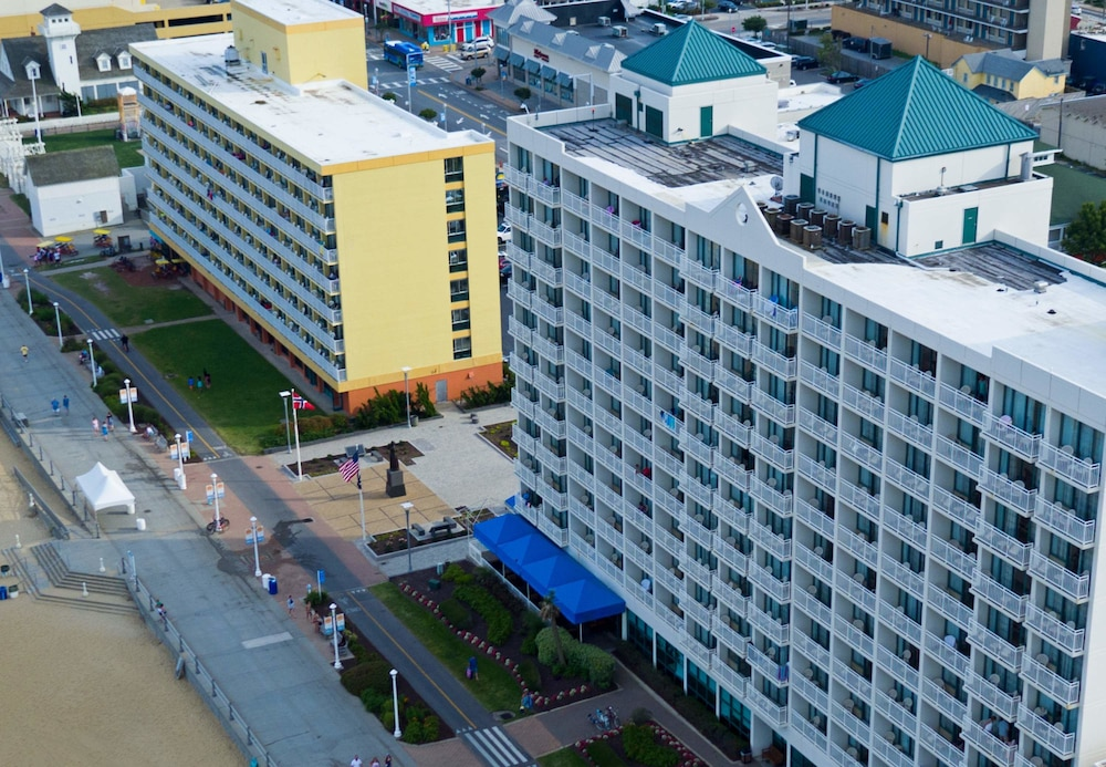 Courtyard By Marriott Virginia Beach Oceanfront South 3 0 Out Of 5