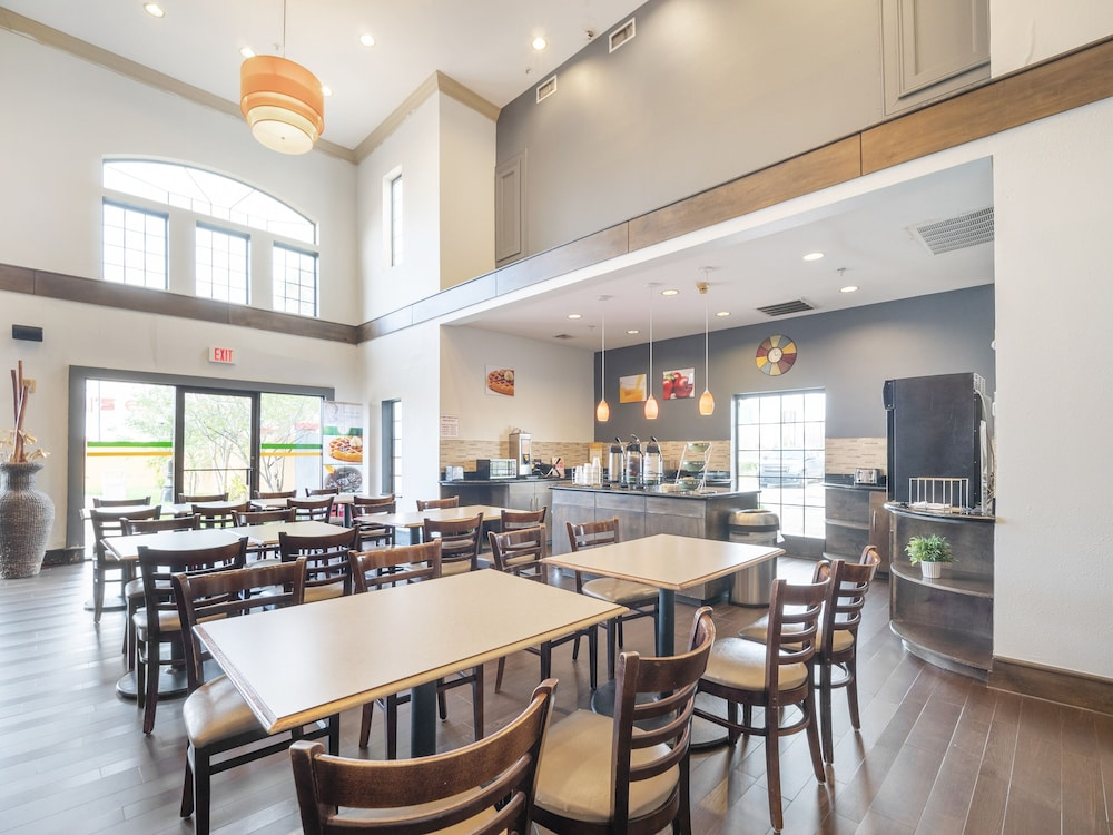 Dining, Baymont by Wyndham Houston North
