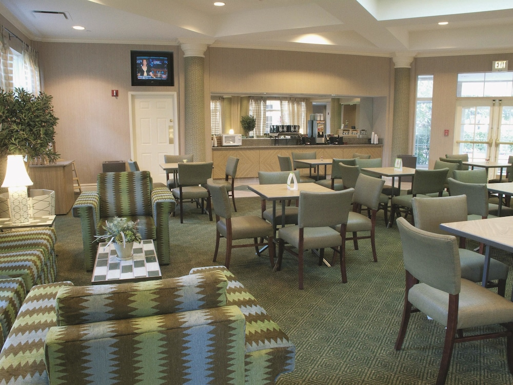 La Quinta Inn  U0026 Suites Orlando Ucf - Reviews  Photos  U0026 Rates