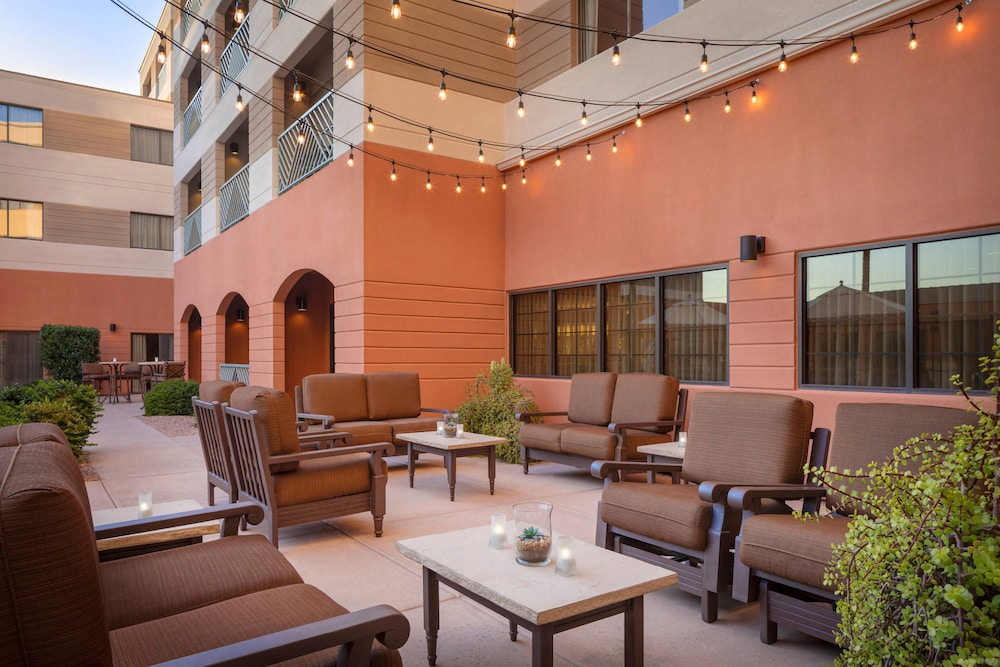 Terrace/Patio, Courtyard by Marriott Scottsdale Old Town