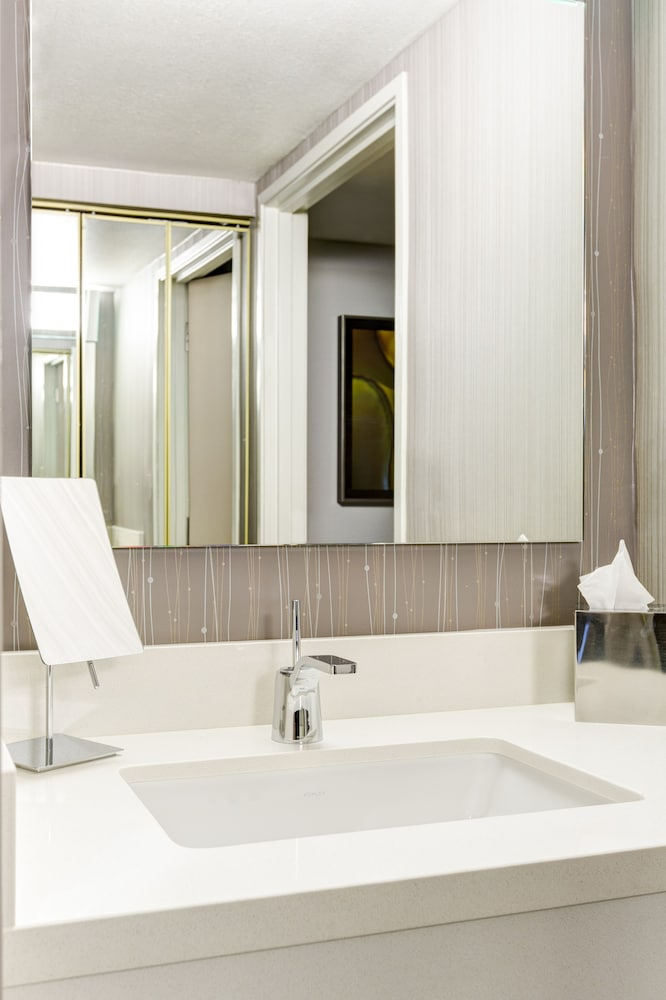 Bathroom, Courtyard by Marriott Scottsdale Old Town