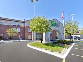 Holiday Inn Express Hotel & Suites Benton Harbor, an IHG Hotel