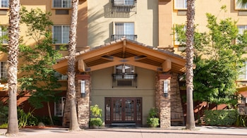 Larkspur Landing Milpitas - An All-Suite Hotel