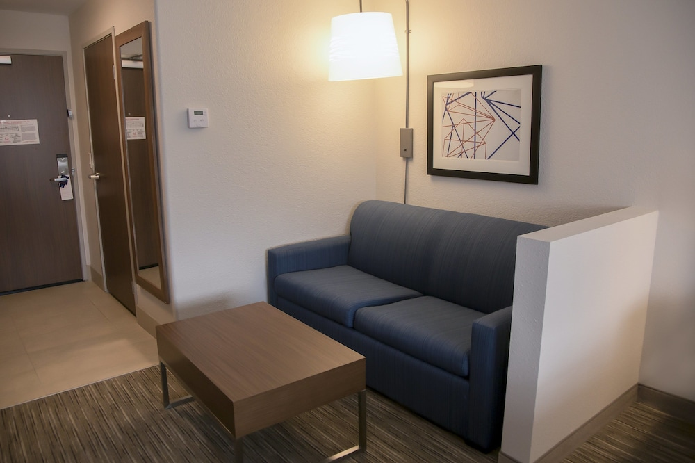 Room Amenity, Holiday Inn Express & Suites Colorado Springs North, an IHG Hotel
