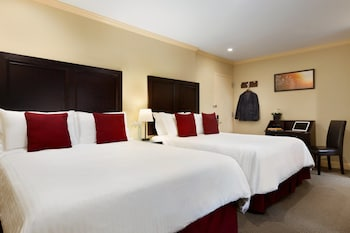Deluxe Queen Room, 2 Queen Beds - Guestroom