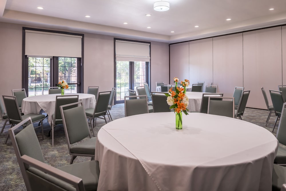 Meeting Facility, Holiday Inn & Suites Dallas-Addison, an IHG Hotel