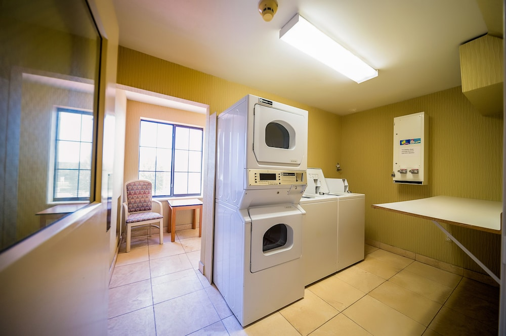Laundry Room, AmericInn by Wyndham Denver Airport