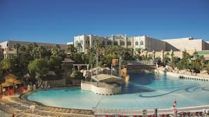 4 outdoor pools, open 9:00 AM to 6:00 PM, cabanas (surcharge)