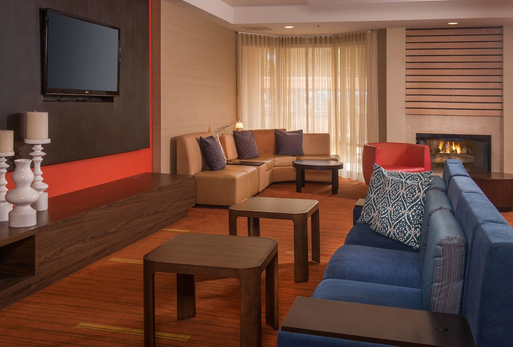 Lobby Sitting Area, Courtyard by Marriott North Charleston Airport/Coliseum