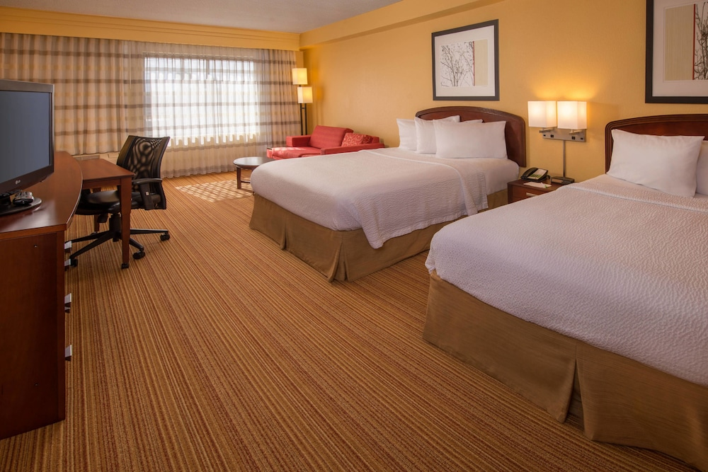 Room, Courtyard by Marriott North Charleston Airport/Coliseum