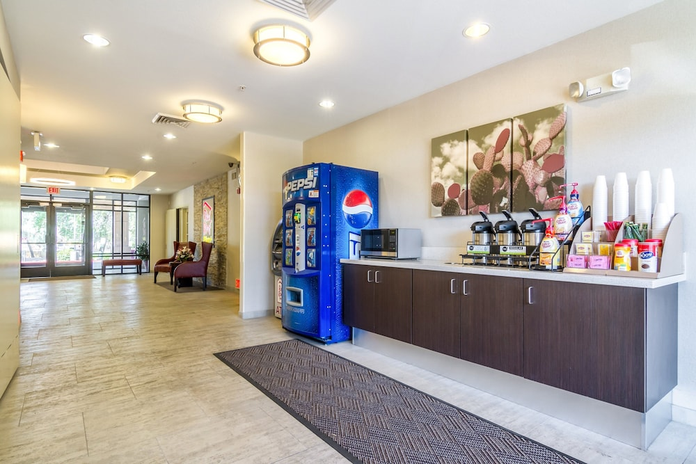 Lobby, Red Roof Inn PLUS+ Tempe - Phoenix Airport