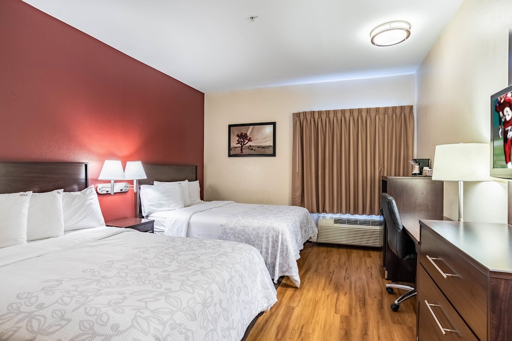 Room, Red Roof Inn PLUS+ Tempe - Phoenix Airport