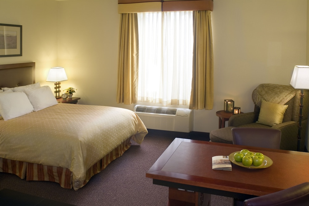 Room, Larkspur Landing Folsom - An All-Suite Hotel